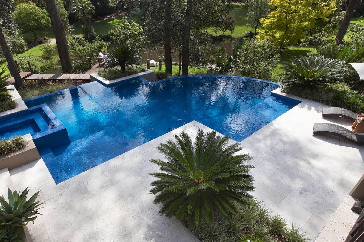How to build your own pool on a sloped land? - InnoDez %